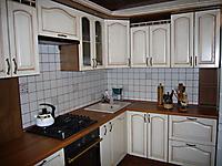 Кухня Классика, ясень, белая с коричневой патиной